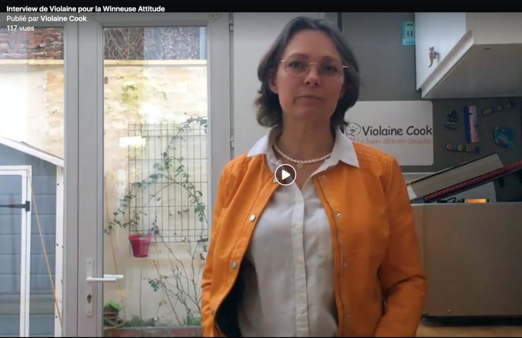Violaine Cook raconte son parcours dans sa cuisine